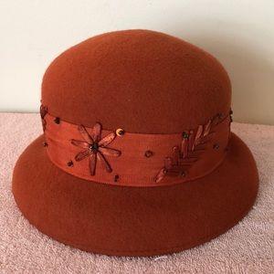 Bertmar 100% wool hat with decorative detail